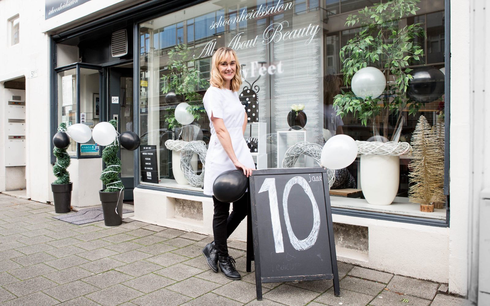 Sarah van All About Beauty in het Hoogkwartier. Foto door Emiel Meijer